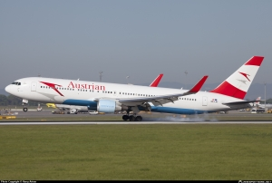 OE-LAY-Austrian-Airlines-Boeing-767-300_PlanespottersNet_274955